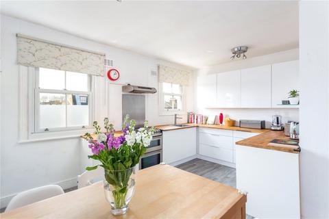 2 bedroom maisonette for sale - Almeric Road, London, SW11