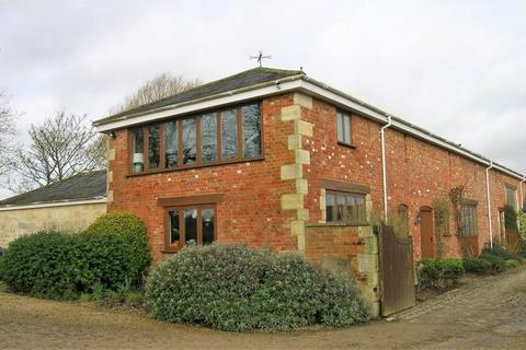 2 bedroom barn conversion to rent - Ford farm, Bradford-On-Avon