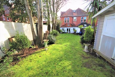 2 bedroom apartment - Glen Road, Boscombe Manor, Bournemouth