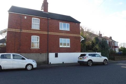 2 bedroom house to rent - Clee Crescent, Grimsby