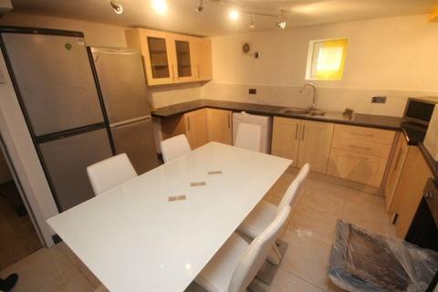 6 bedroom terraced house to rent - Delph Mount, Leeds, LS6