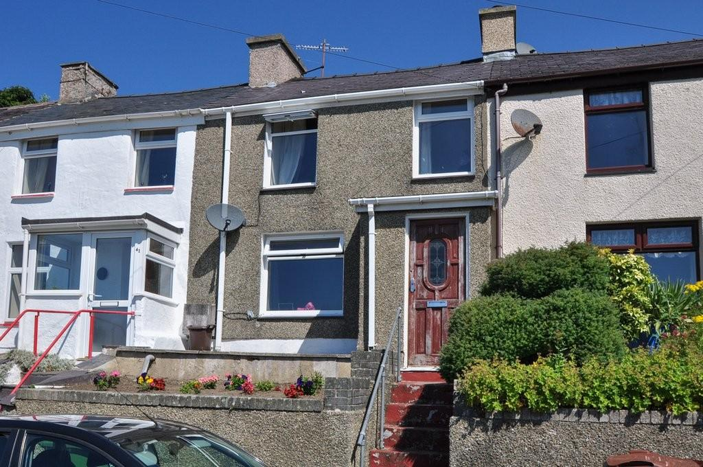 2 Bedrooms Terraced House for sale in Hyfrydle Road, Talysarn, North Wales