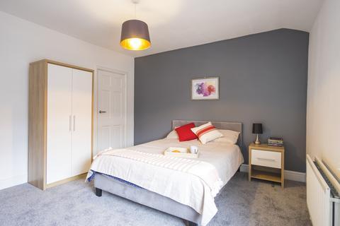 4 bedroom house share to rent - Durban Street, Ashton Under Lyne,