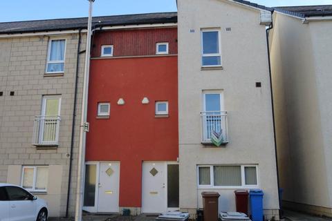 5 bedroom house to rent - 6 Milnbank Gardens, ,