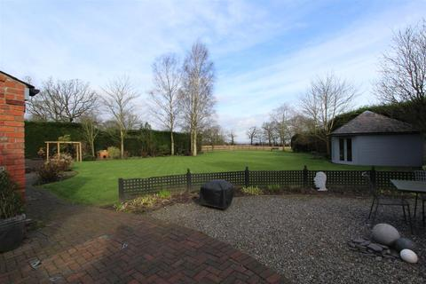 2 bedroom country house to rent - Higher Lane, Lymm