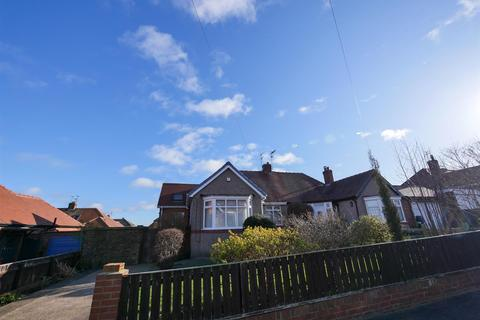 2 bedroom semi-detached bungalow to rent - Dudley Avenue, Fulwell, Sunderland