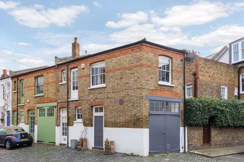 2 bedroom house to rent - Kersley Mews, Battersea, SW11