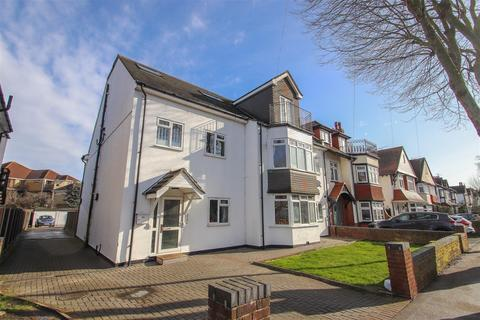 2 bedroom penthouse for sale - Hadleigh Road, Leigh-On-Sea