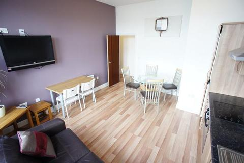 2 bedroom apartment to rent - City Apartments, City Centre
