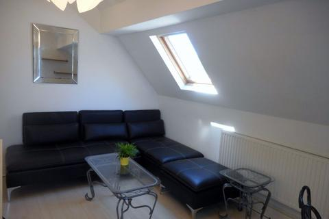 1 bedroom flat to rent - Richmond Road, Roath ( 1 Bed ) T/F