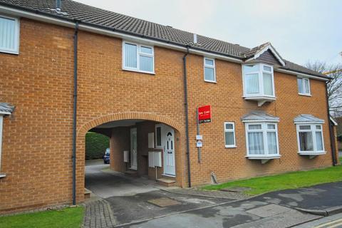 2 bedroom apartment for sale - Queens Drive, Cottingham