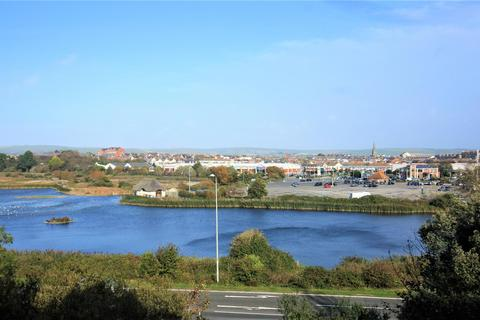 2 bedroom apartment for sale - Views of Nature Reserve, Close To Town, Parking