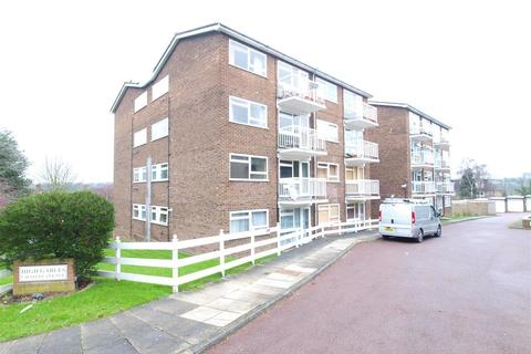 1 bedroom flat to rent - High Gables, 1 Scotts Avenue, Bromley