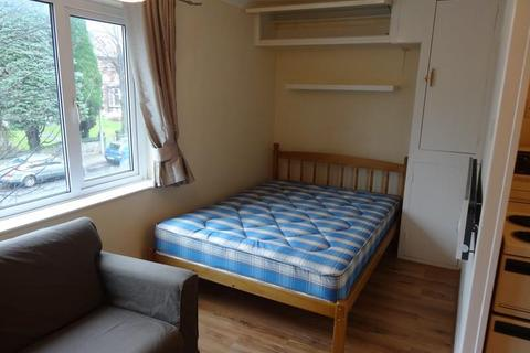 Studio to rent - Ventnor Court, Wostenholm Road, Sheffield, S11