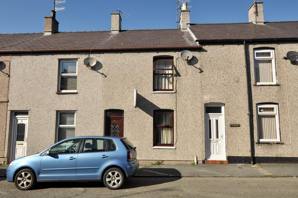 2 Bedrooms Terraced House for sale in William Street, Caernarfon, North Wales