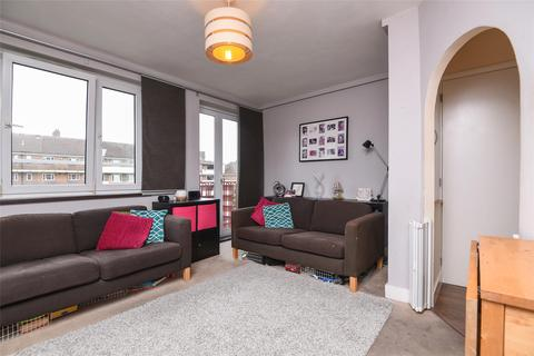 2 bedroom apartment for sale - Mainwaring Court, Armfield Crescent, Mitcham, Surrey, CR4