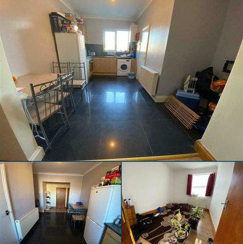 2 bedroom flat to rent - BECONTREE AVENUE , DAGENHAM, LONDON RM8