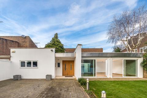 4 bedroom house to rent - Bathgate Road, Wimbledon, London, SW19