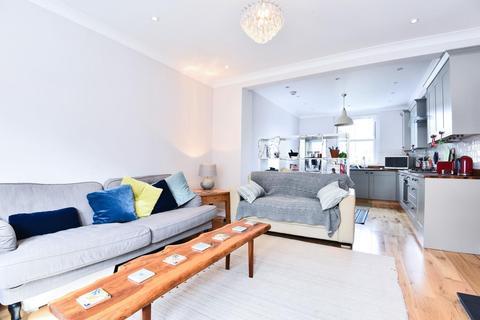 2 bedroom flat for sale - Fernlea Road, Balham