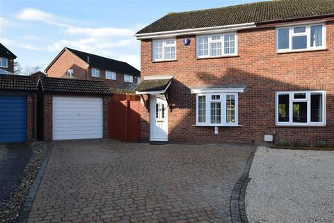3 bedroom semi-detached house for sale - Foxden Drive, Downswood, Maidstone, Kent