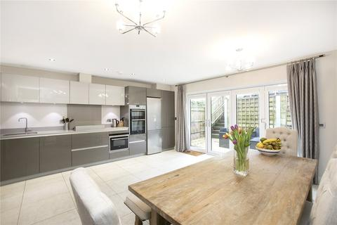 4 bedroom terraced house for sale - Dacre Close, Chipstead, Surrey, CR5