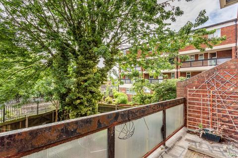 3 bedroom flat to rent - Elland House, E14