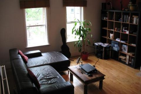 2 bedroom flat share to rent - Flat 7 Waterloo Court, Lapwing Lane