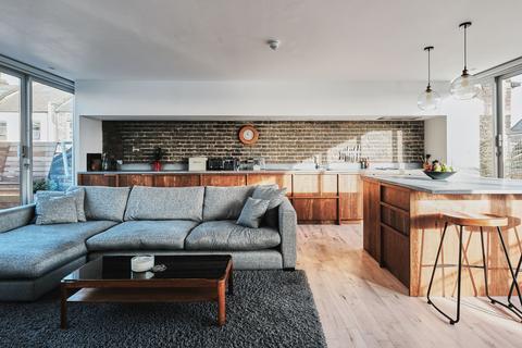 2 bedroom penthouse for sale - 18 Rampart Street, London E1