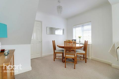 3 bedroom bungalow for sale - Minster Road, Sheerness
