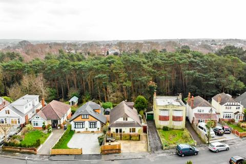 3 bedroom detached house for sale - Detached 3 Bed, Redhill