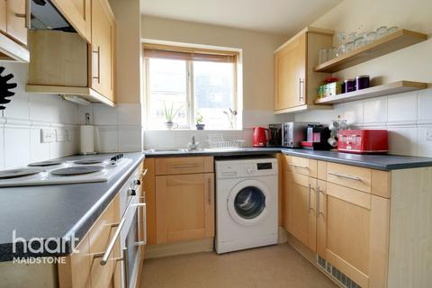 2 bedroom apartment for sale - St Peters Street, Maidstone