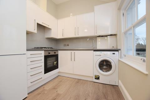 2 bedroom flat to rent - Churston Close Tulse Hill SW2