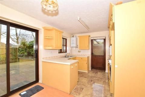 3 bedroom detached house for sale - Ashgrove, Ashford, Kent