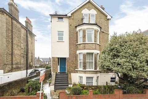 2 bedroom flat for sale - Pendennis Road, Streatham