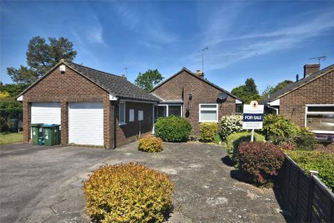 3 bedroom detached bungalow for sale - Hampden Close, Stoke Mandeville, Buckinghamshire