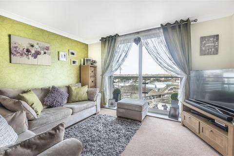 1 bedroom flat for sale - Bergenia House, Bedfont Lane, Feltham, Greater London