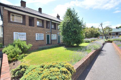 1 bedroom flat to rent - Churston Close Tulse Hill SW2