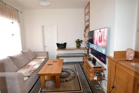 2 bedroom maisonette to rent - Lyndhurst Road, Wood Green, London, N22