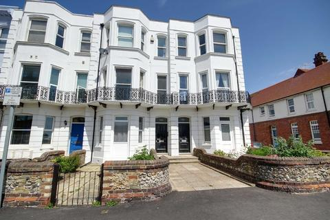 2 bedroom apartment to rent - Brighton Road, Worthing, BN11