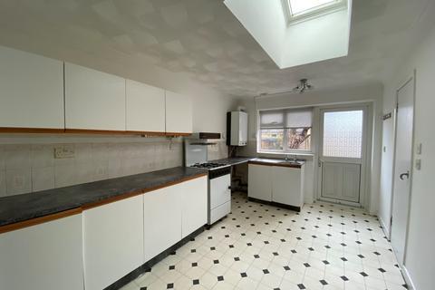 Studio to rent - Denzil Avenue , Southampton