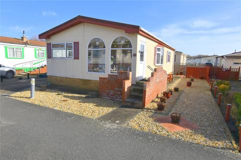 2 bedroom detached house for sale - Willowbrook Park, Old Salts Farm Road, Lancing, West Sussex, BN15