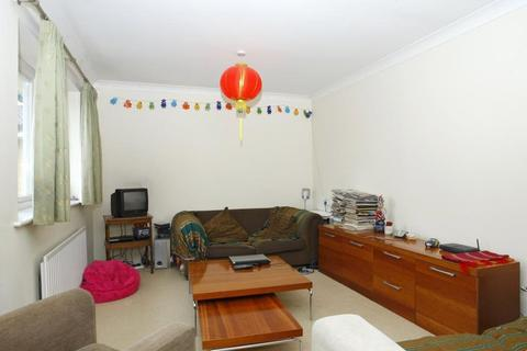 2 bedroom apartment to rent - Felstead Street, London, E9