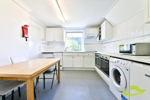 7 bedroom house share to rent - Milner Road, Brighton