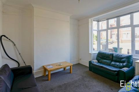 7 bedroom house share to rent - Hollingbury Crescent, Brighton