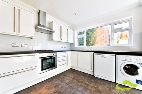 5 bedroom house share to rent - Fitch Drive, Brighton