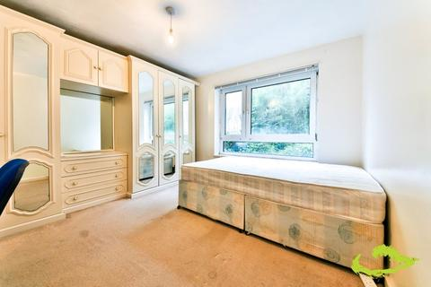 3 bedroom house share to rent - Fitch Drive, Brighton
