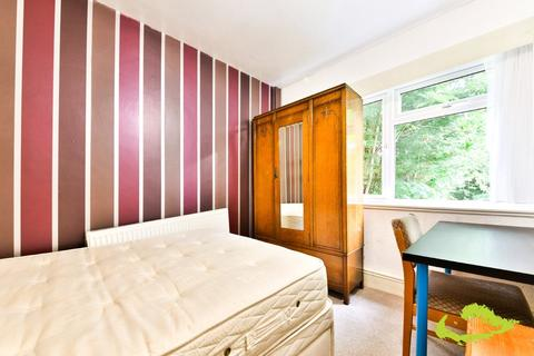 4 bedroom house share to rent - Auckland Drive, Brighton