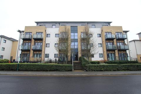 2 bedroom flat to rent - Cottons Approach, Romford