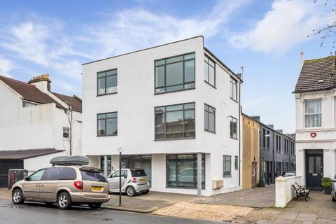 2 bedroom flat for sale - Westbourne Grove, Hove, East Sussex, BN3 5PJ