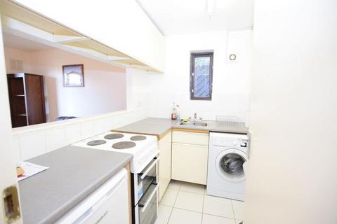 1 bedroom flat to rent - Grovelands Close, London SE5